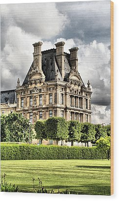 Le Musee Du Louvre Wood Print by Greg Sharpe