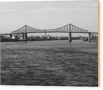 Le Pont Jacques Cartier Wood Print by Robert Knight