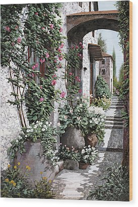 Le Rose Rampicanti Wood Print by Guido Borelli