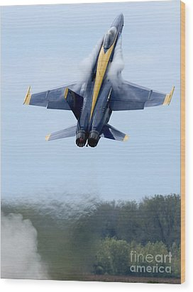 Lead Solo Pilot Of The Blue Angels Wood Print by Stocktrek Images