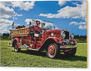 Lewiston Fire Truck Wood Print by Gary Smith