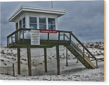 Wood Print featuring the photograph Lifeguard Station 1 by Paul Ward