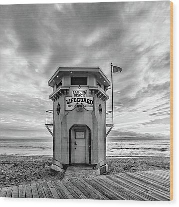 Wood Print featuring the photograph Lifeguard Station In Black And While by Cliff Wassmann