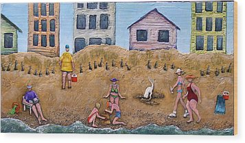 Life's A Beach Wood Print by Linda Carmel