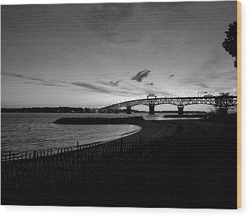 Light Over Bridge Wood Print