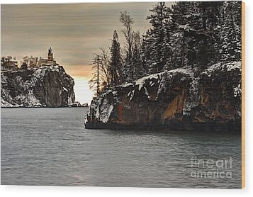 Lighthouse And Island At Dawn Wood Print