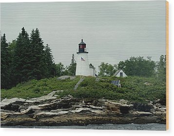 Lighthouse At Boothbay Harbor Wood Print by Lois Lepisto