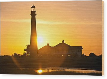 Lighthouse Sunset Wood Print by John Collins