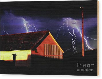 Lightning At The Old Ranch . 40d4577 Wood Print by Wingsdomain Art and Photography