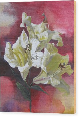 Lilies With Red Wood Print by Alfred Ng