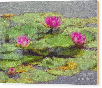 Lily Pads Wood Print by Larry Keahey