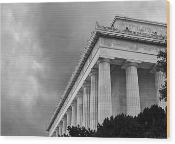 Lincoln Memorial - Black And White - Washington Dc Wood Print by Brendan Reals