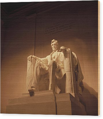 Lincoln Memorial Wood Print by Gene Sizemore