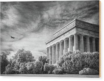 Lincoln Memorial Wood Print by Paul Seymour