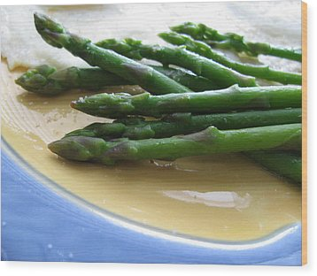 Wood Print featuring the photograph Lindie Bistro Asparagus Spears by Lindie Racz