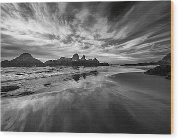 Lines In The Sand At Seal Rock Wood Print