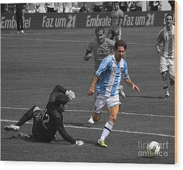 Lionel Messi The King Wood Print by Lee Dos Santos