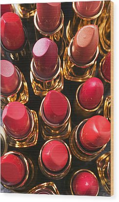 Lipstick Rows Wood Print by Garry Gay