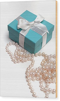 Little Blue Gift Box And Pearls Wood Print by Amy Cicconi