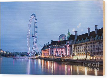 London Eye At Night Wood Print by Donald Davis