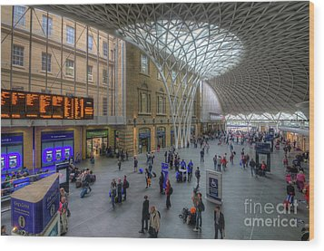 London King's Cross Wood Print by Yhun Suarez