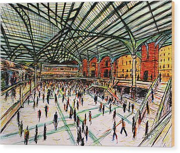 London Train Station Wood Print