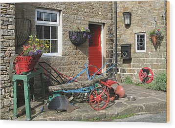 Looking At A Old Stone House Wood Print by Joyce Woodhouse