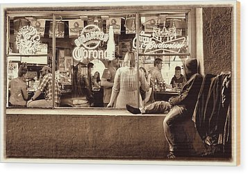 Wood Print featuring the photograph Looking In by Steve Siri