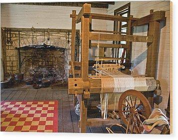 Loom And Fireplace In Settlers Cabin Wood Print by Douglas Barnett