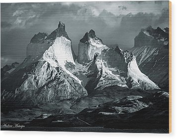Los Cuernos In Black And White Wood Print by Andrew Matwijec