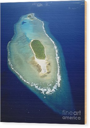 Losiep Atoll Wood Print by Mitch Warner - Printscapes