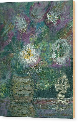 Love And A Daisy  Wood Print by Anne-Elizabeth Whiteway