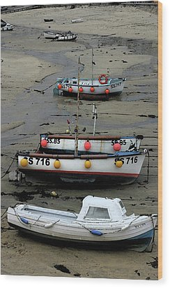 Low Tide At St. Ives Harbor Wood Print by Carol Kinkead