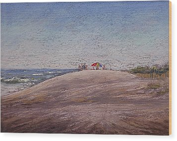 Low Tide At The Beach Wood Print by Deb Spinella