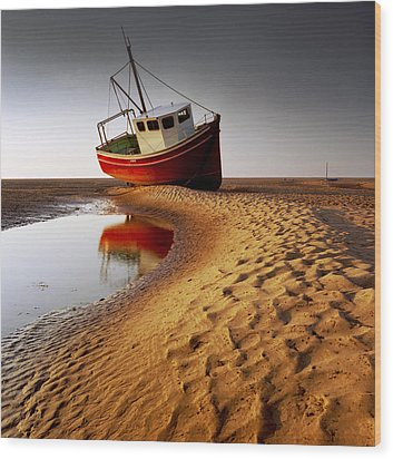Low Tide Wood Print by Peter OReilly