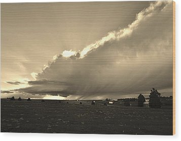 Low-topped Supercell Black And White  Wood Print