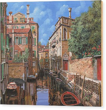 Luci A Venezia Wood Print by Guido Borelli