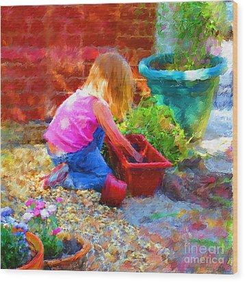 Lucys English Garden Wood Print by Marilyn Sholin