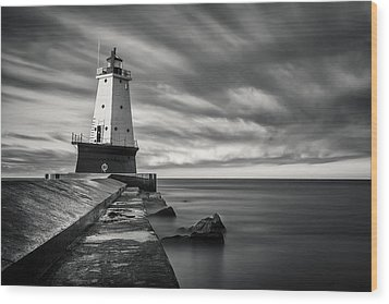 Wood Print featuring the photograph Ludington Light Black And White by Adam Romanowicz