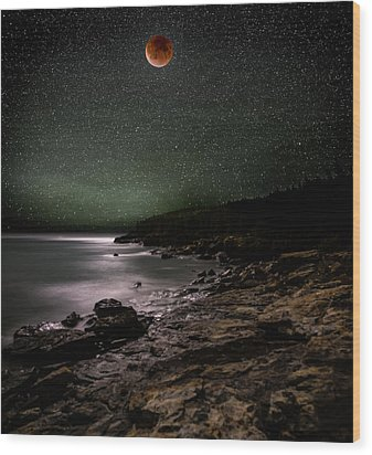 Lunar Eclipse Over Great Head Wood Print by Brent L Ander