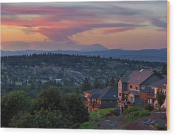 Luxury Homes In Happy Valley Oregon Wood Print by David Gn
