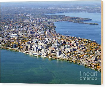 M-044 Madison Wisconsin Fall Monona Terrace Capitol West To Uw Wood Print