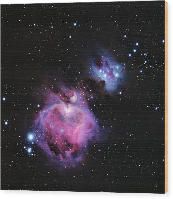 M42--the Great Nebula In Orion Wood Print by Alan Vance Ley
