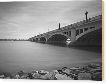 Macarthur Bridge To Belle Isle Detroit Michigan Wood Print