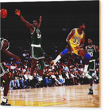 Magic Johnson No Look Pass 7a Wood Print