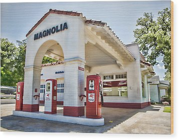 Magnolia Gas - Little Rock Wood Print