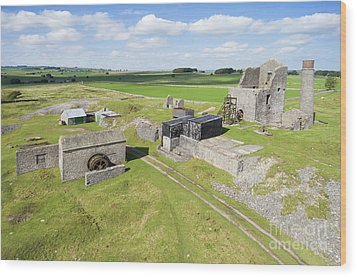 Magpie Mine 2 Wood Print by Steev Stamford