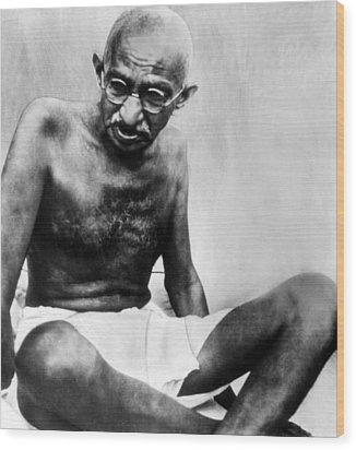 Mahatma Gandhi, 78, Pauses Wood Print by Everett
