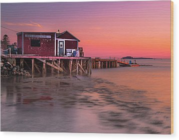 Wood Print featuring the photograph Maine Coastal Sunset At Dicks Lobsters - Crabs Shack by Ranjay Mitra