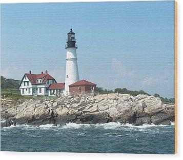 Maine Lighthouse Wood Print by Rita Tortorelli